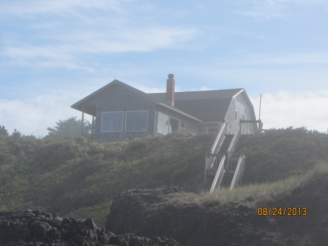The rental we stayed at, overlooking the Pacific Ocean.